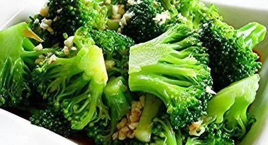 女人多吃这些碱性食物瘦腰又减腹的八种最佳减肥食物!!!