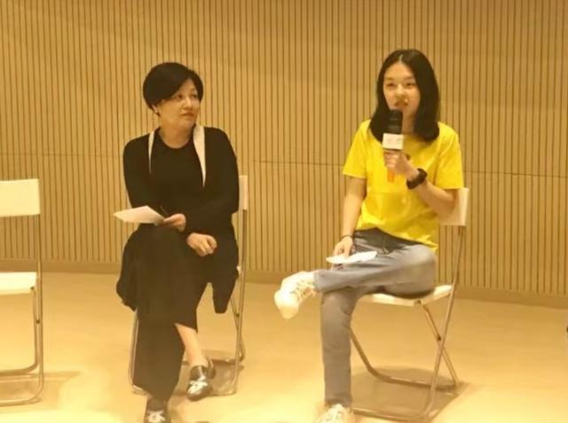李咏16岁闺女做演讲,哈文无比欣慰,然而法图麦·李的