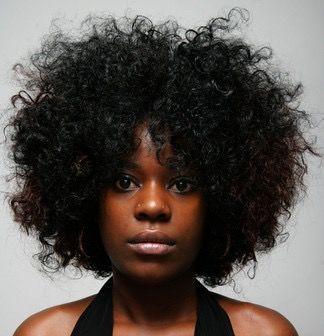 黑人女性真正的传统发型有两种.图片