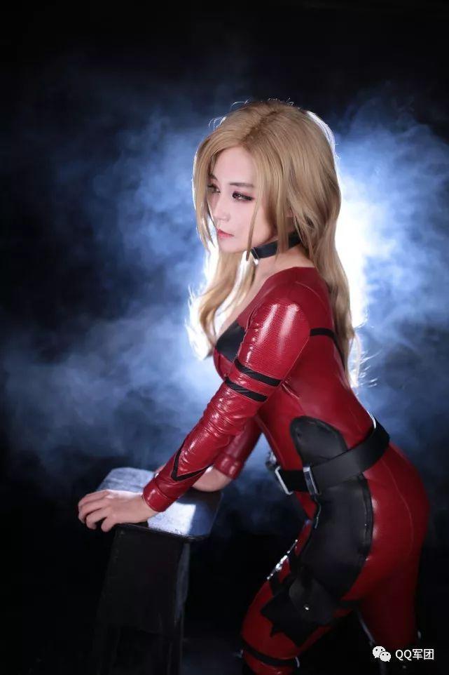 COSPLAY身材火紧身皮衣枪手显出好美女情趣酒店在邯郸哪里图片