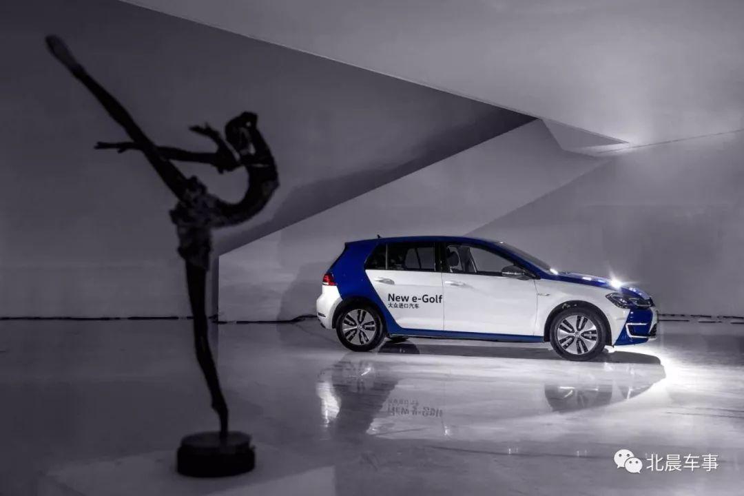 蓝色畅享 e触来电——大众进口汽车新e-Golf正式上市 售价26.8万元