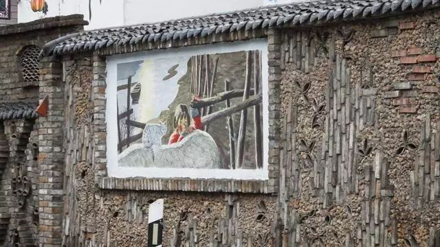 """伏牛山写生基地以""""手绘美丽乡村,力推脱贫攻坚""""为指导思想,让有能力的"""