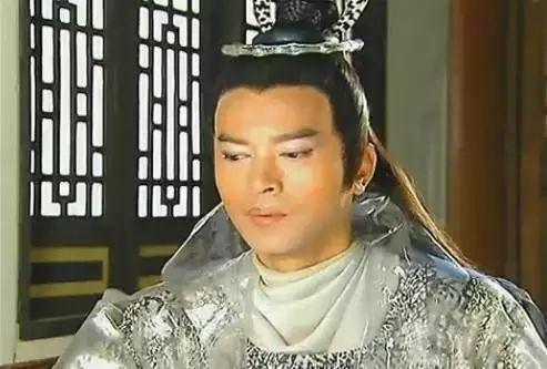 《三剑奇缘》中饰演又帅又暖,又坏又虐的冷霜子.