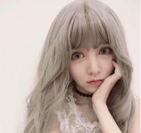 头发颜色2018流行色_时尚 正文  说到2018流行什么发型颜色,首推亚麻色!