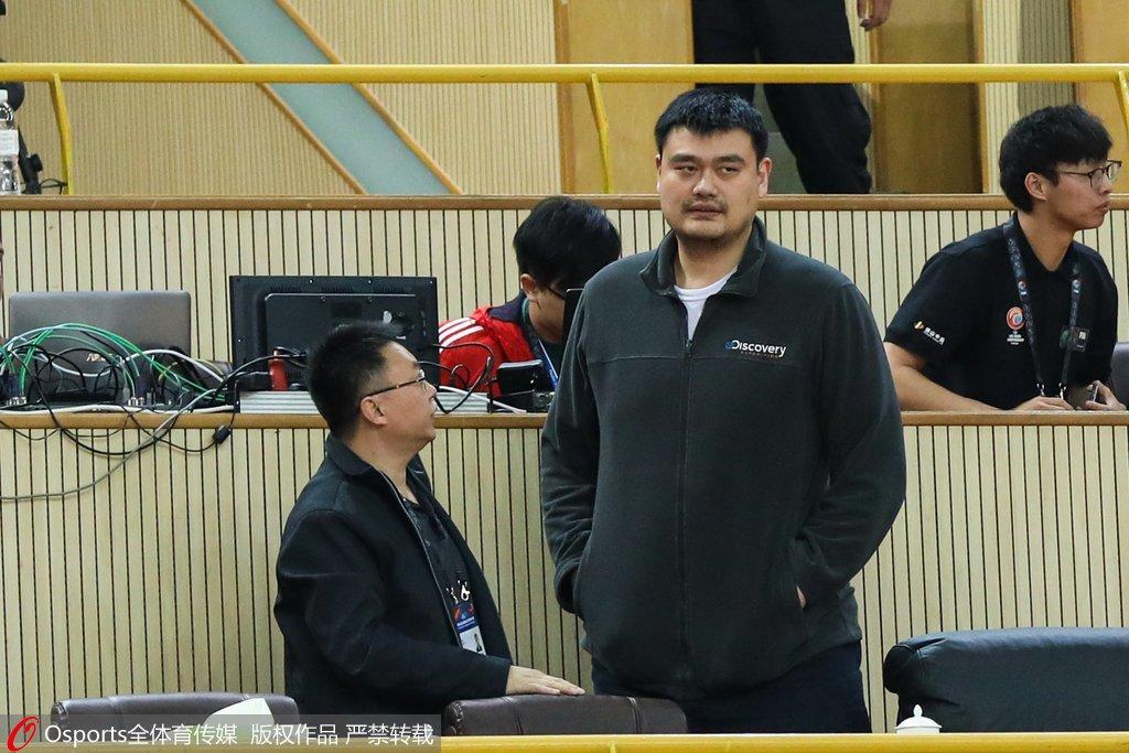 高清:U16男篮亚青赛半决赛_姚明现身主席台观战