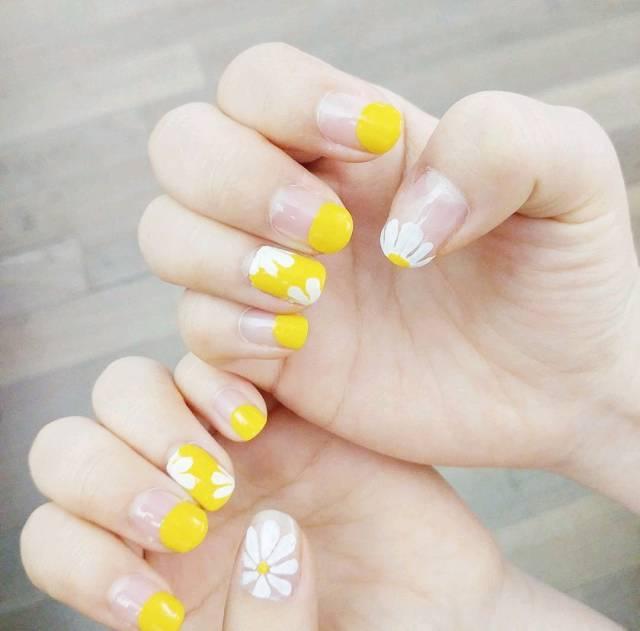 7款风靡夏天的【柠檬黄美甲】,显白又充满朝气的美甲你们一定要种草丫!