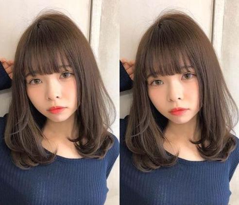 时尚 正文  2018流行齐肩烫发图片九 成熟御姐必备的大卷发型,大偏分图片