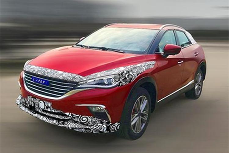 国产轿跑SUV撞脸马自达CX 4,一打听原来是众泰旗下品牌