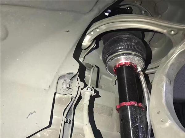 奔驰e级w213安装气压减震图片