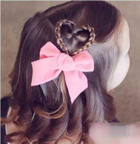 几款呆萌的儿童扎发款式推荐,浪漫唯美的扎发发型,打造让人惊艳的时髦图片