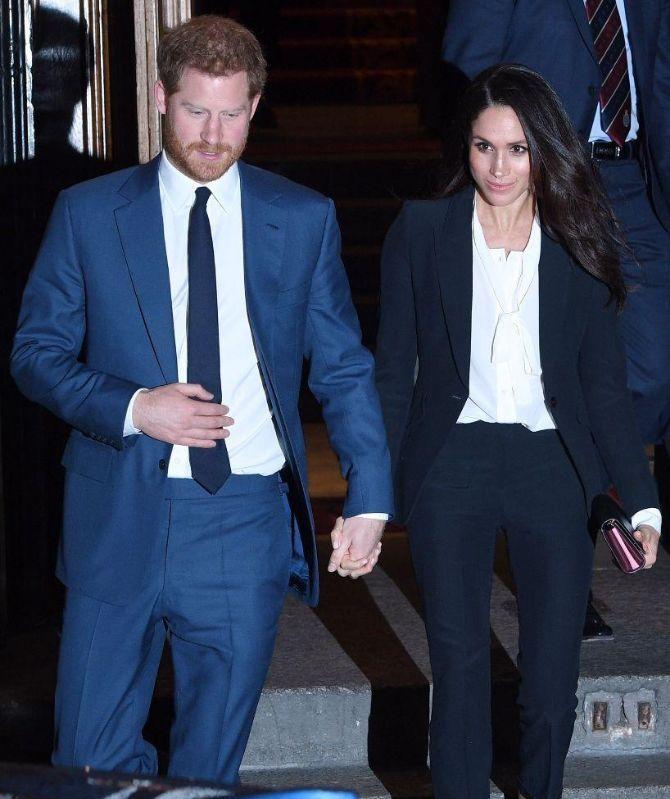 """哈里王子大婚倒计时,女王开出的""""准婚证""""曝光!细节太精美"""