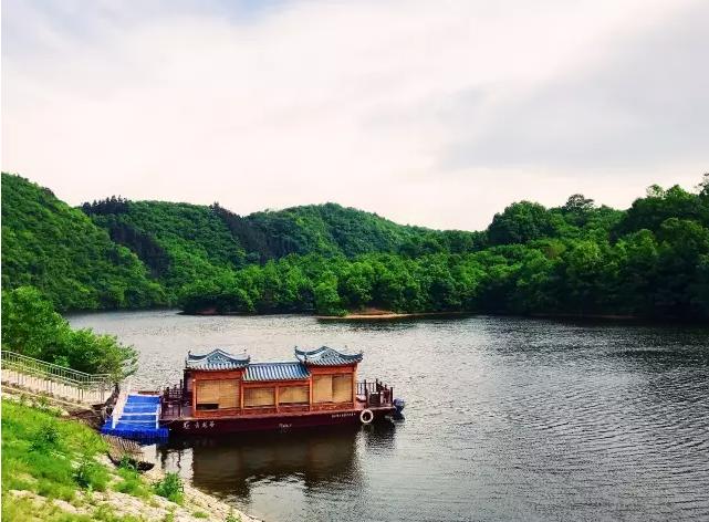 画的风景 诗的意境 ——灵龙湖游记