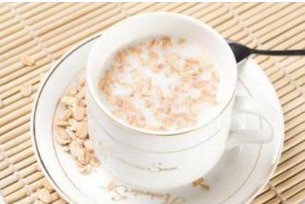 燕麦片牛奶的做法_牛奶燕麦片能减肥吗:燕麦牛奶的家常做法