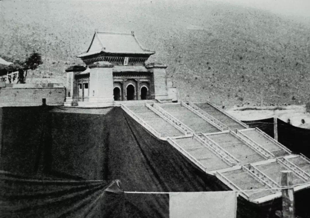 南京新中山陵的模型:这个建筑设计反映了中式建筑从木结构向砖石结构图片