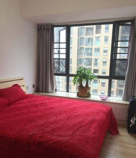 新房装修,老婆坚持阳台改卧室,硬生生多出一间房,好处太多了!