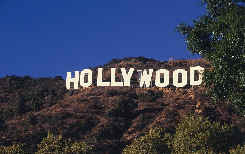 """""""超级英雄""""的药方,能否抵挡科技互联网对美国电影业的颠覆?"""