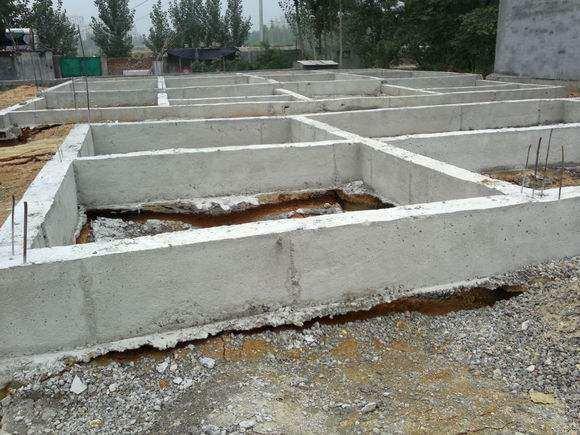 农村盖房子挖地基怎么打结实?不说可能你不明白