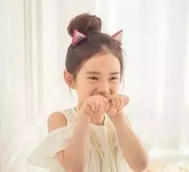丸子头小女孩发型图片