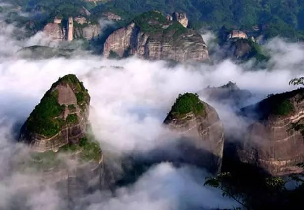 八寨沟风景区位于广西钦州市贵台镇境内,是一个幽谷探险,放飞夏日