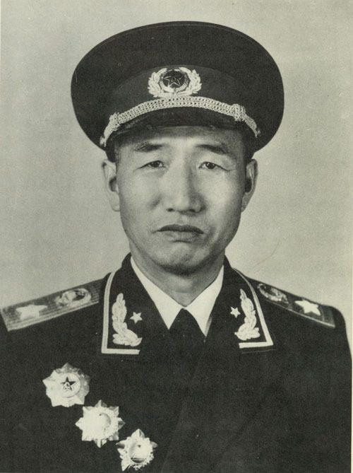 红四方面军李特_他是红四方面军总指挥,打起来游刃有余,其军事才能不亚于林彪