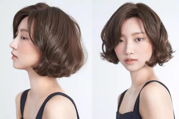 2018年流行空气感烫卷设计的卷发,空气感烫卷的韩式小短发更有气质图片