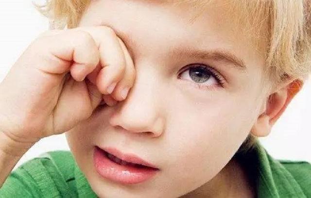 4岁的孩子就高度近视了,预防孩子眼睛近视,听儿科医生怎么说