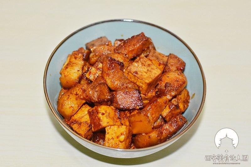 豆腐跟它一起做简直太香了 吃一次就上瘾