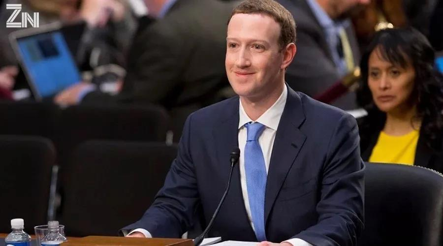"""""""裸奔时代"""":扎克伯格和他的Facebook"""