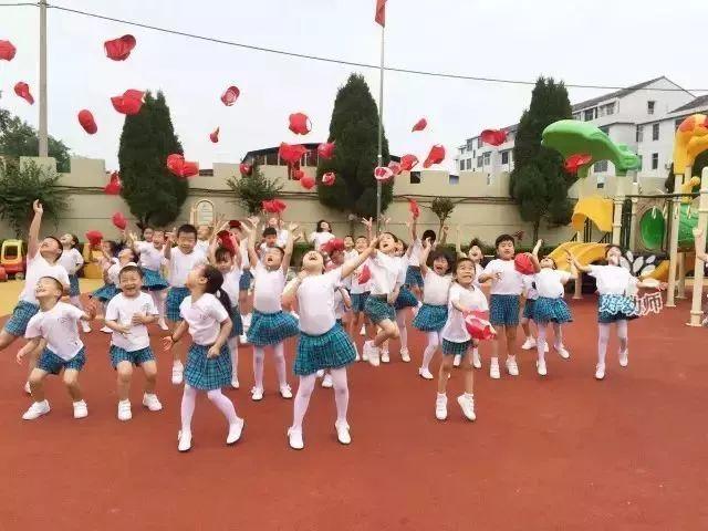 幼儿园创意毕业照,留住孩子们的美好瞬间!