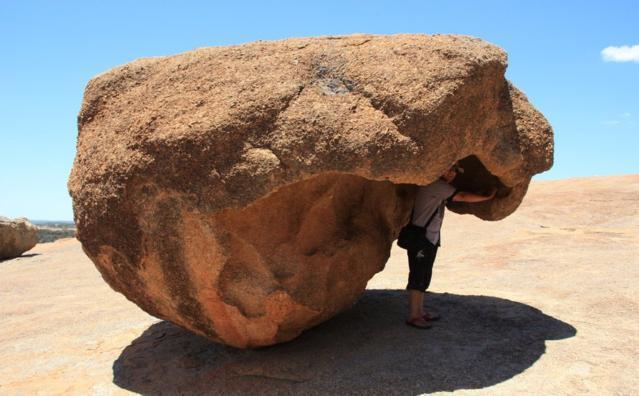 全球最牛的平衡石,摇摇欲坠,屹立千年不倒,两个在中国! - yuhongbo555888 - yuhongbo555888的博客