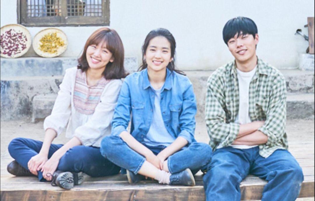 日韩系列电影_看名字就知道,这部韩国电影改编自日本电影《小森林》系列.