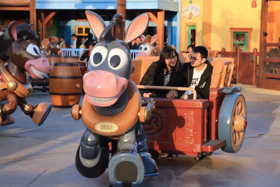 """大揭秘!上海迪士尼新主题""""玩具总动员""""4月26日开放!据说到处都是玩具~"""