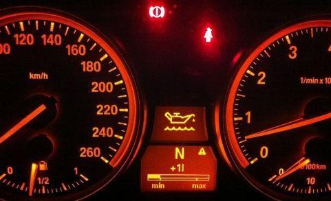 机油警报灯