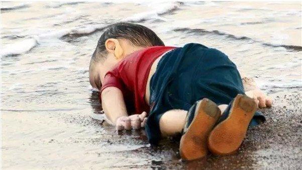 叙利亚大马士革战火再起!叙利亚外交官:美国就是大规模杀伤性武器!