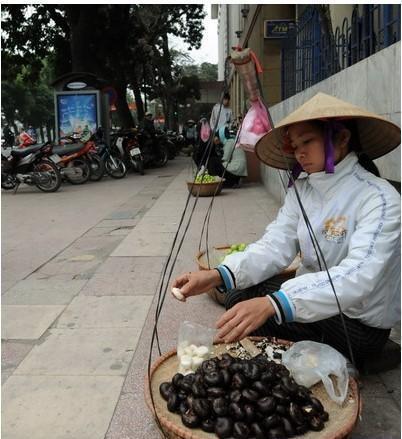 越南有座小城,当地的小贩很漂亮也会说中文,但有样东西国内旅客不敢买