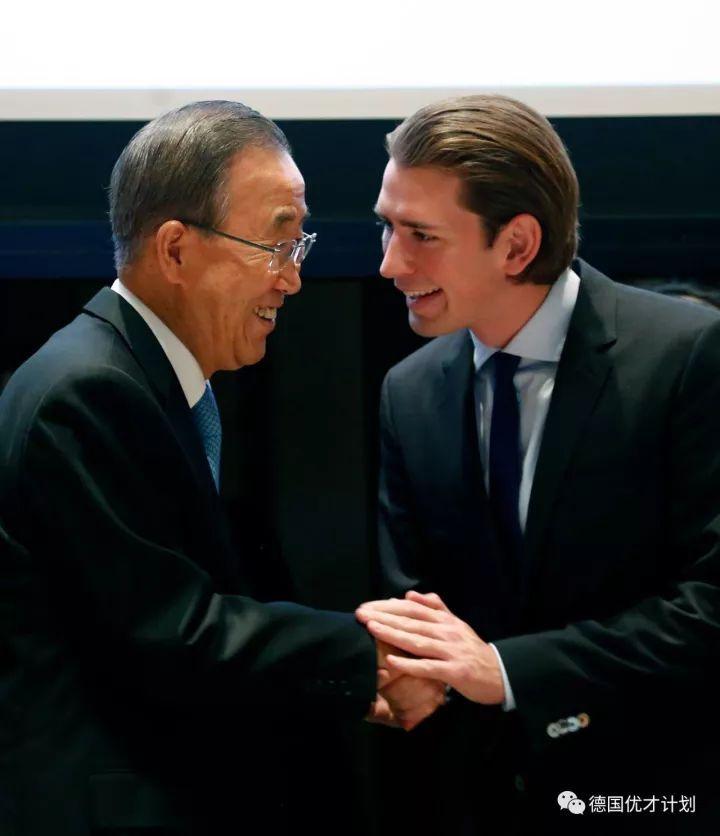 全球最年轻总理访华,大学没上完,穷小子逆袭