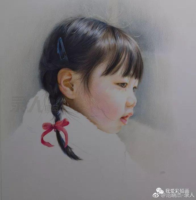 彩铅手绘人物《麻花辫女孩》,细节