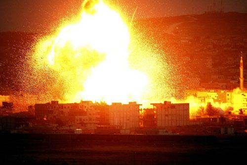 特朗普轰炸叙利亚为悍卫石油美元体系?