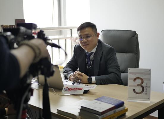首席品牌官官税冬接受采访