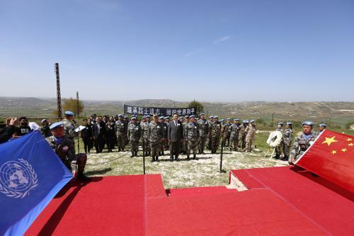 驻黎巴嫩使馆人员祭奠中国维和军人杜照宇烈士