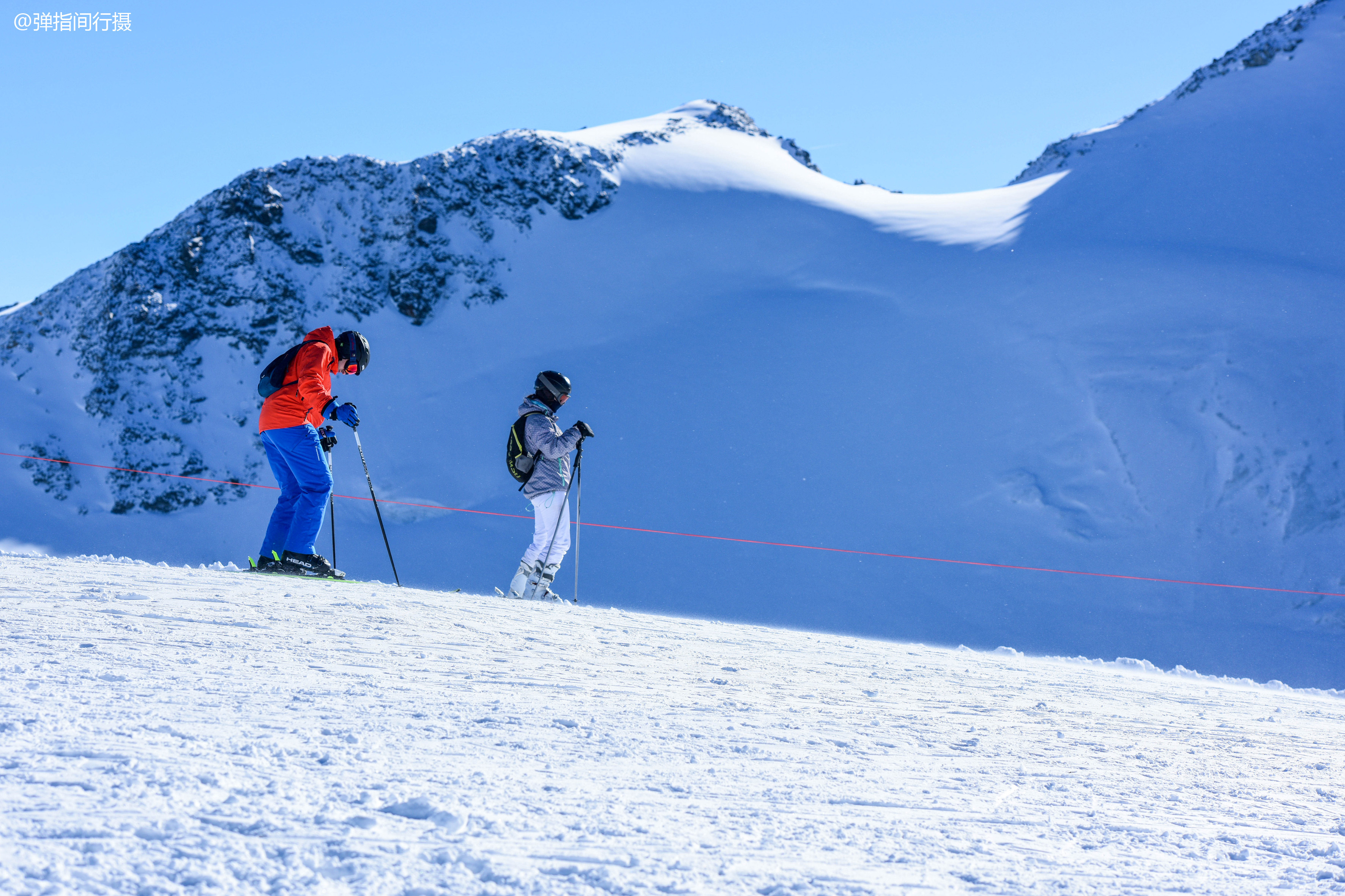 探秘瑞士2000多年冰层中的冰宫,最震撼人的却是1920年这双雪鞋
