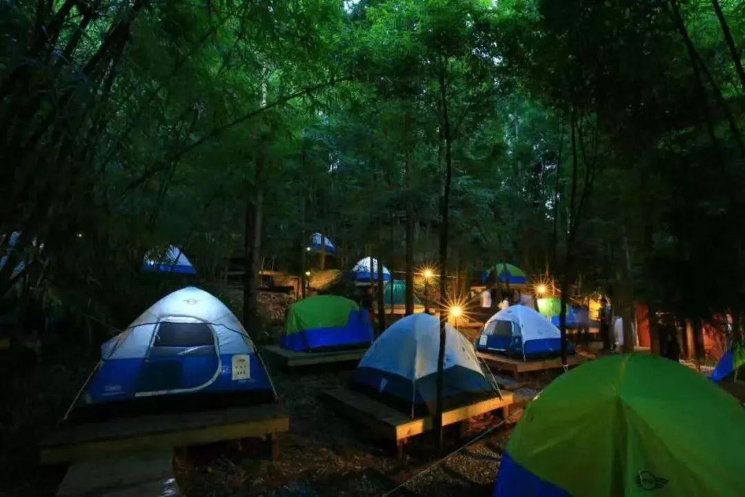 露营、冒险、漂流、赏风景...成都这个人少景美的地方包你满意!
