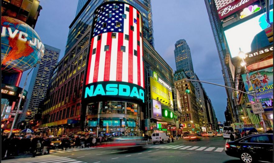纽约时代广场的这块屏幕彻底被中国人玩坏了....从粉丝应援到微商!