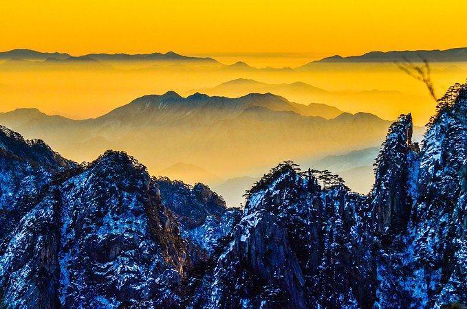 黄山不是黄色的,为何名字带黄呢?原来这么大有来头