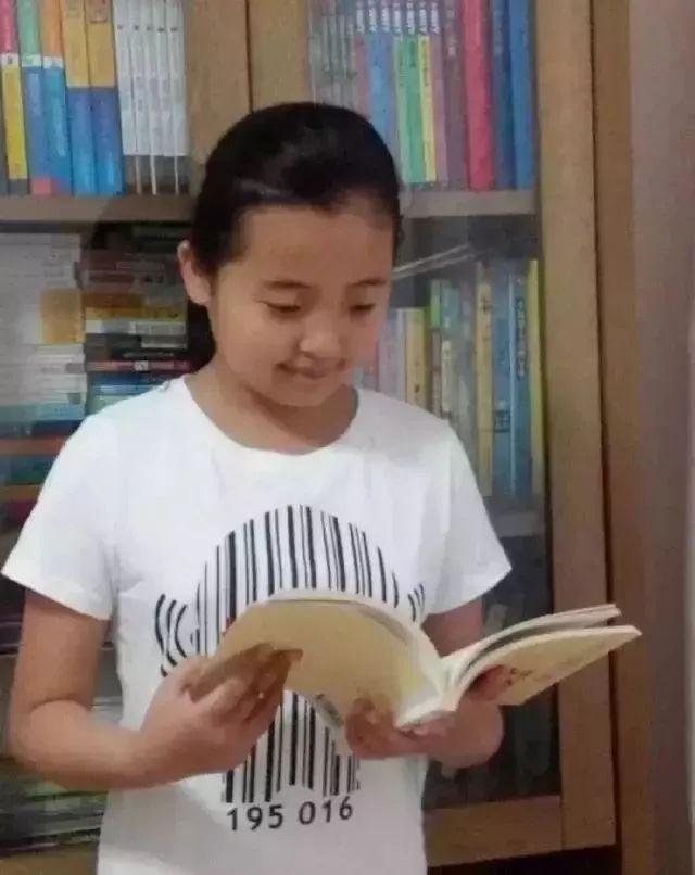 初一女生文言文爆款作文说二胎!别问我为什么跪着读完(文尾有赠书活动) | 关注