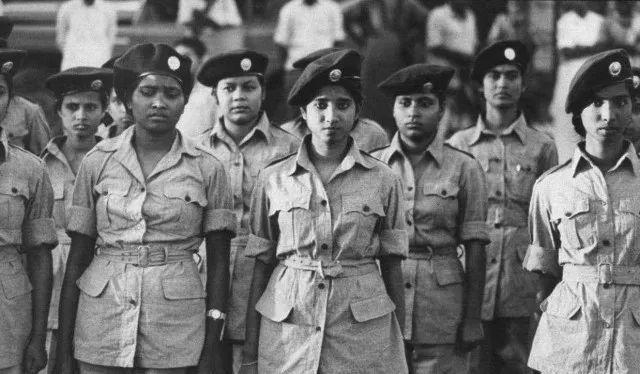 女兵人是什么_为什么印度女兵的自杀率高到吓人?