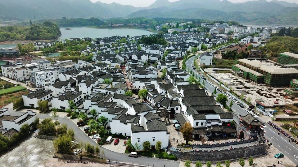"""千岛湖水下沉睡的千年古城""""浮出水面"""",再现了狮城1400年的文明"""