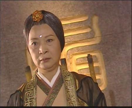 为什么身为明教掌旗使的庄铮可以震断灭绝师太的剑?原因很简单