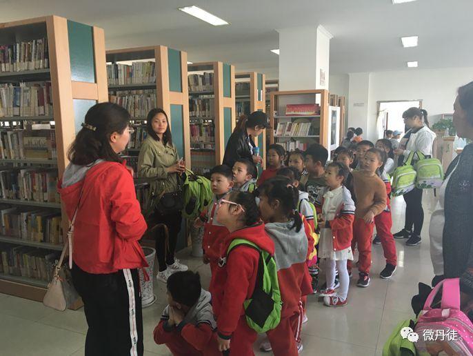 走进图书馆,体验阅读的快乐!图片