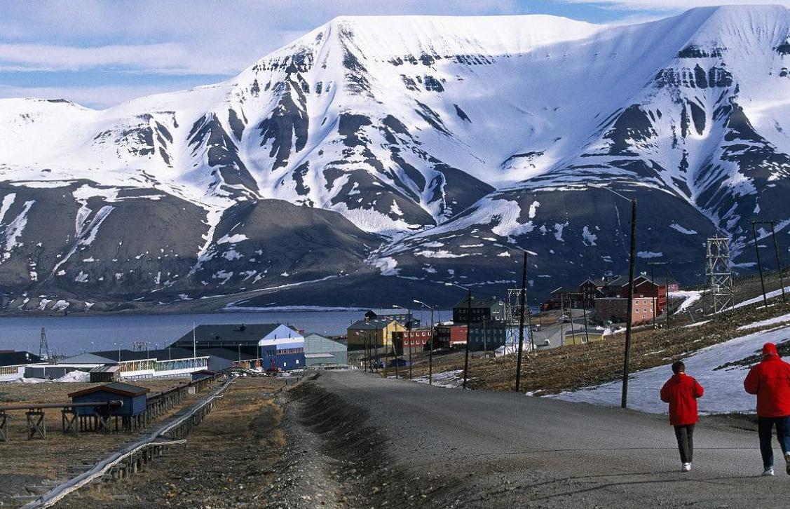 世界上最北的小镇:禁止人在这里死!孕妇临产前一个月必须离开!